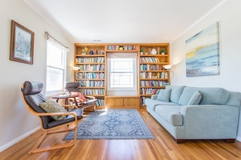 Chic 4BR in Pacific Beach by Sonder