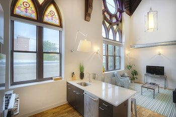 Architectural 2BR in Wicker Park by Sonder
