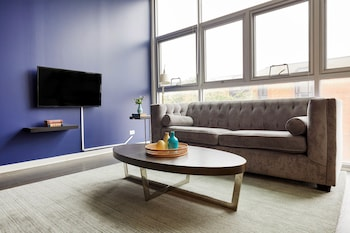 Spacious 3BR in Lincoln Park by Sonder in Chicago, Illinois