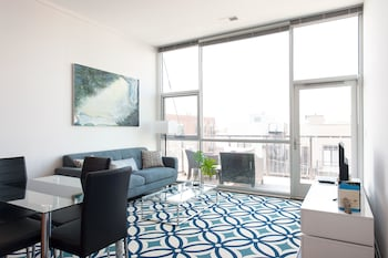 Bright 2BR in Lincoln Park by Sonder in Chicago, Illinois