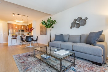 Airy 1BR in Little Italy by Sonder