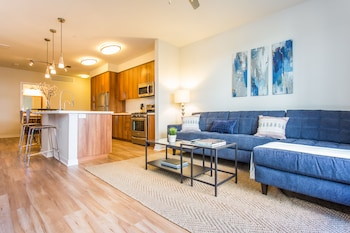 Bohemian 2BR in Little Italy by Sonder