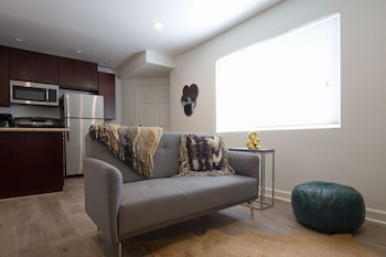 ロフト スタイル 1 ベッドルーム イン ウェスト ロサンゼルス バイ ソンダー