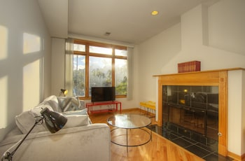 Sunny 3BR in Lake View by Sonder