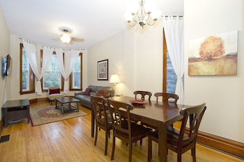 Lovely 3BR in Lake View by Sonder in Chicago, Illinois