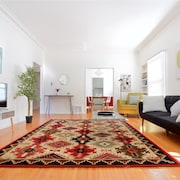 Chic 2BR in Beverly Hills by Sonder