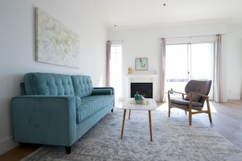 Sunny 2BR in Beverly Hills by Sonder in Los Angeles, California