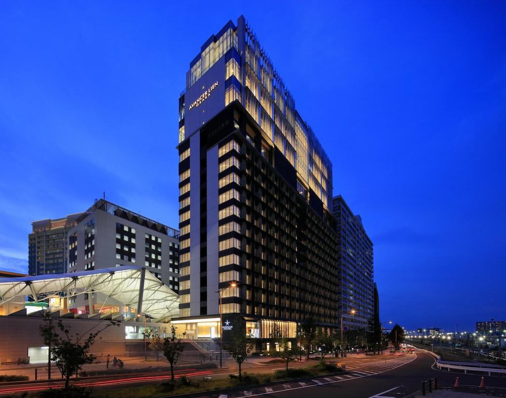 THE SINGULARI HOTEL & SKYSPA AT UNIVERSAL STUDIOS JAPAN™