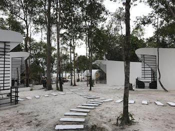 The Pipes Resort in Koh Rong Sanloem