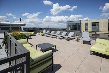 Canal Street Apartments by Stay Alfred in Boston, Massachusetts