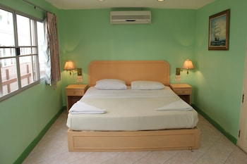 Photo for Richman Poorman Guesthouse in Pattaya
