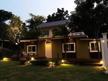 Luckydee House