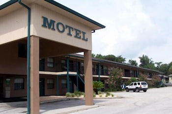 Dinner Bell Motel in Crystal River, Florida