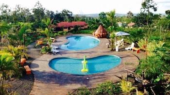 Arenaria Lodge & Gardens