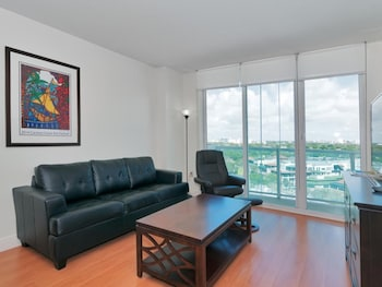 1 Bedroom Apartment at Sonesta Coconut Hotel 88319 by RedAwning