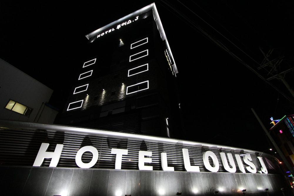 Louis J Hotel
