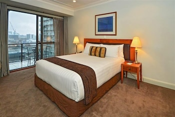 Private sale: save 10% Inner City Sanctuary Apartment Auckland (Western Australia 680586 3) photo