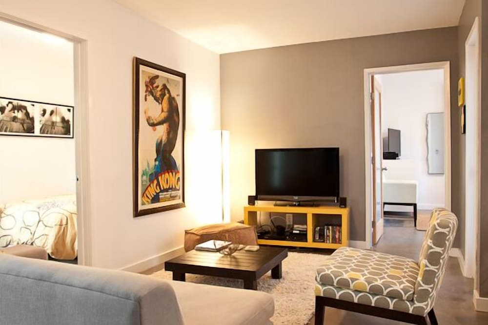 VE Venice Suite C by RedAwning
