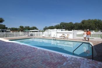 Southern Charm RV Resort in Zephyrhills, Florida