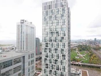 N2N Suites - Downtown Lake & City View