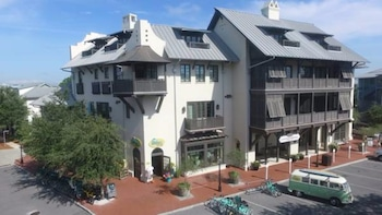 Rosemary Beach Rentals by Counts-Oakes
