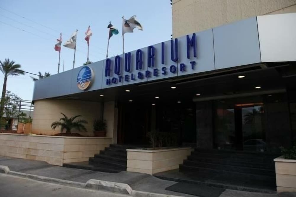 Aquarium Hotel & Resort