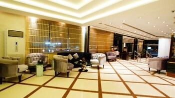 拿瓦拉 24 號套房飯店