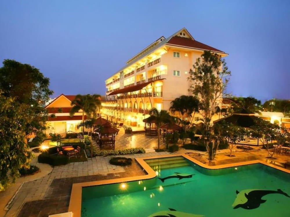 H2 Hua Hin Residence