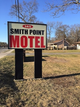 Smith Point Motel