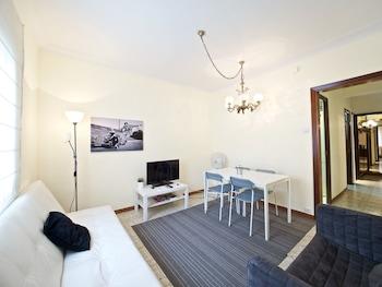 Parallel Apartment