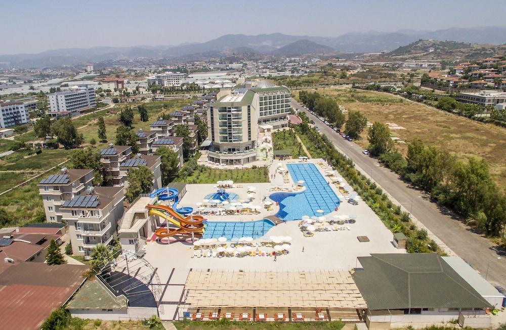 Hedef Beach Resort & Spa Hotel - All Inclusive