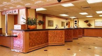 Parkside Hotel & Suites