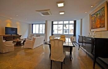 普拉多朱尼爾 MZ 公寓飯店