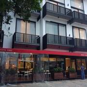 白樹住宅飯店