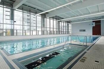 Life Suites Rogers Centre