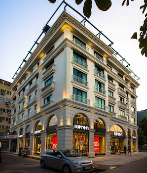 Sinema Hotel