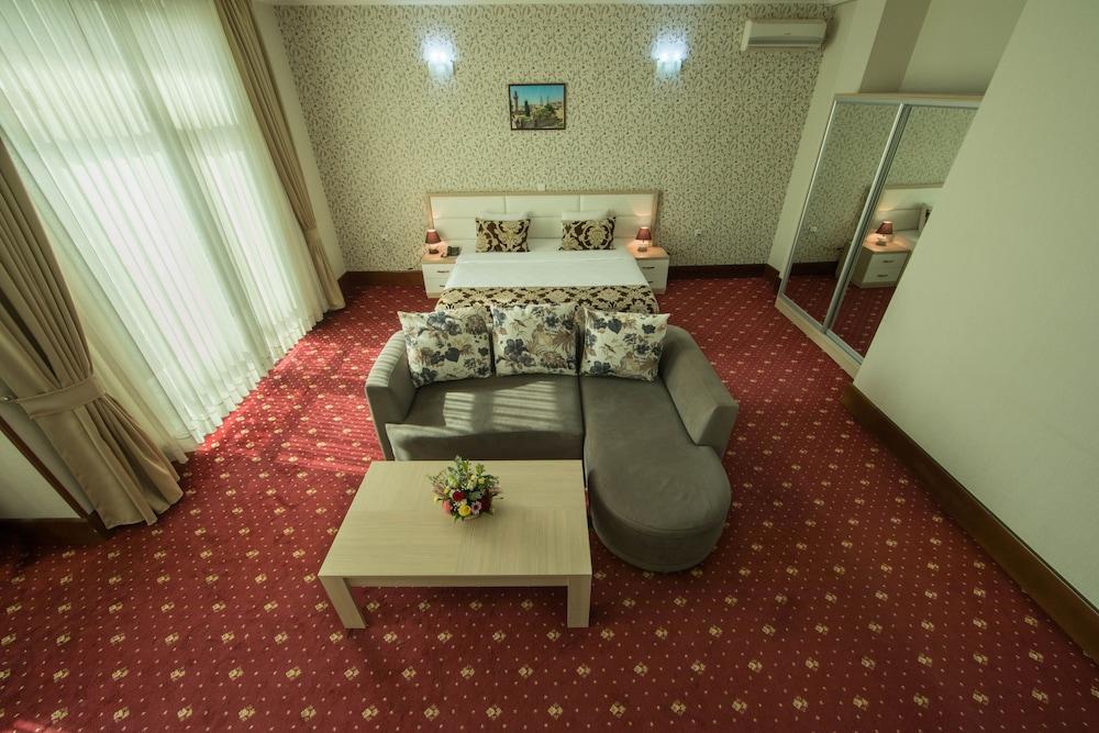 Baku İnn Hotel