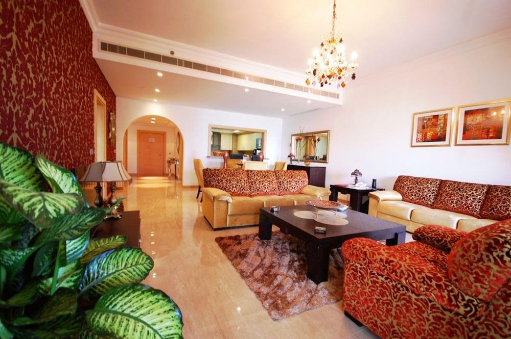 E&T Holiday Homes - Al Hatimi
