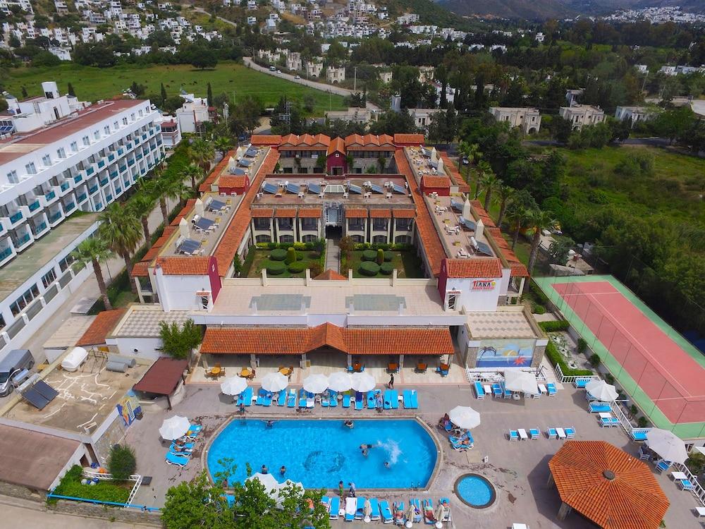 Tiana Beach Resort - All Inclusive
