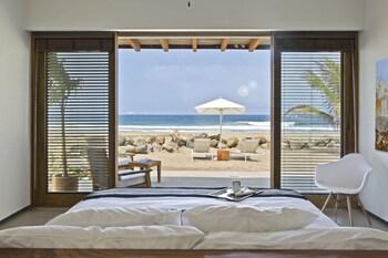 Marea Beachfront Villas (697007) photo
