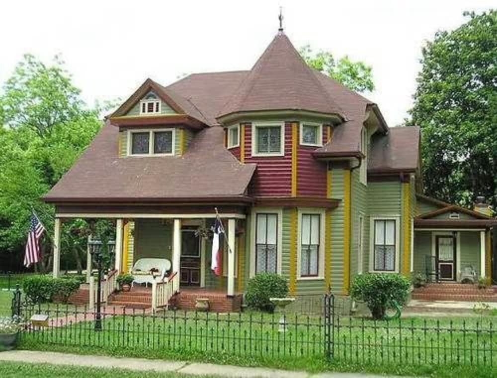 Benefield House Bed & Breakfast