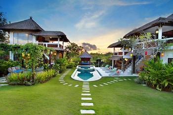 峇裡島舞蹈山峰美式飯店