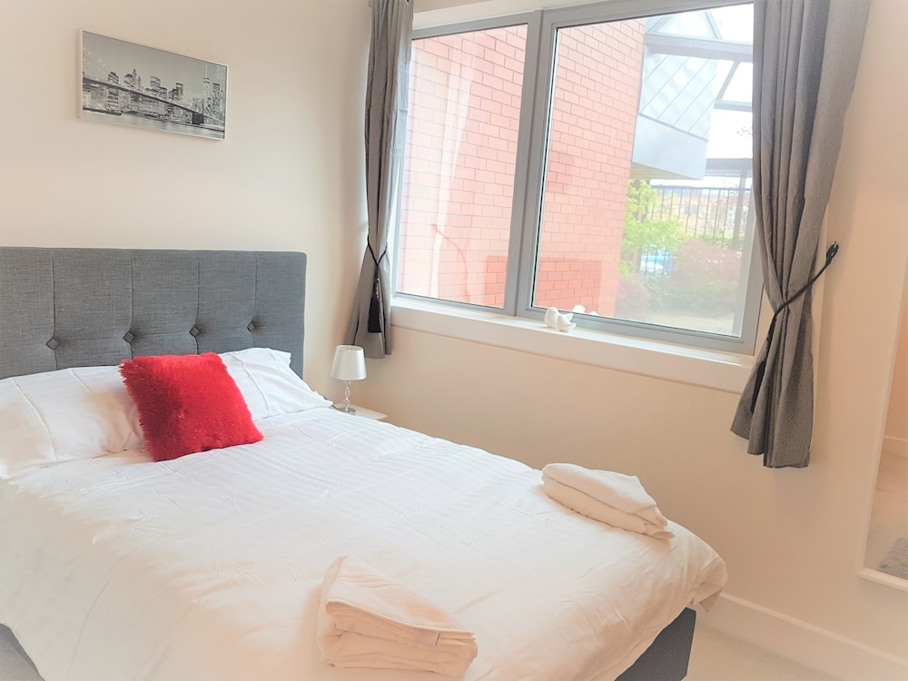 MK City Centre 2 Bed Serviced Apartment