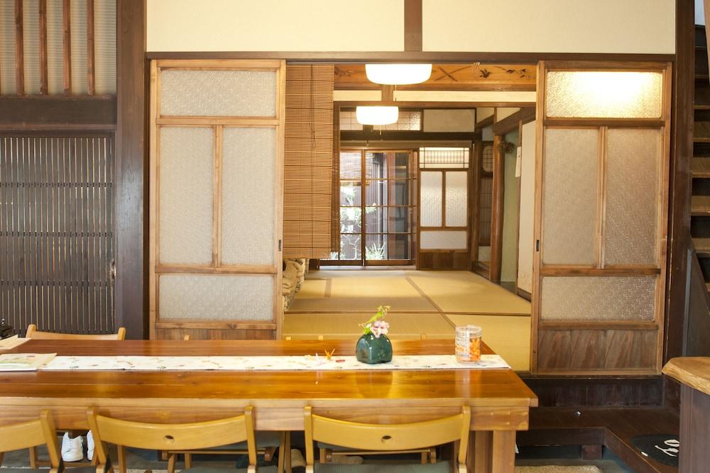 Osaka Guesthouse Midoriya - Hostel