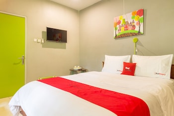 近茂物帕德加加蘭 GOR 瑞德多茲飯店
