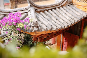 麗江スピリチュアルユートピアホテル (印心石屋瓦舍 - 丽江七星客栈)