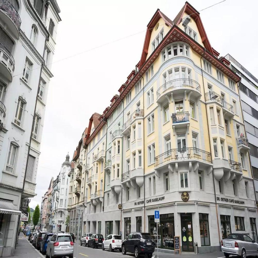 Keyforge City Apartments