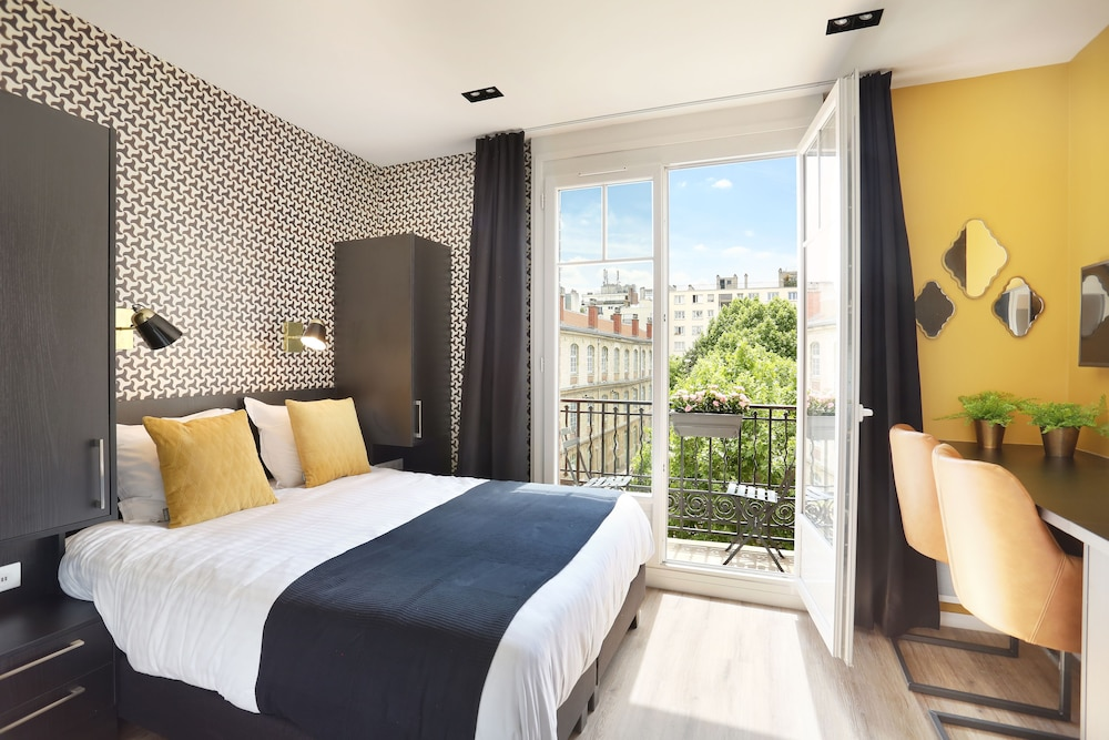 Short Stay Group Eiffel Village Serviced Apartments