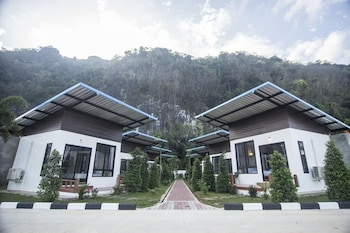 Phuphayot Resort