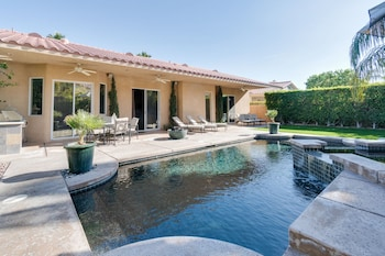 Backyard Paradise in Cathedral City by RedAwning